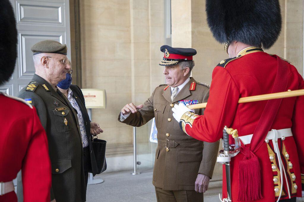 Руслан Хомчак зустрівся із начальником штабу оборони Британії Ніколасом Картером