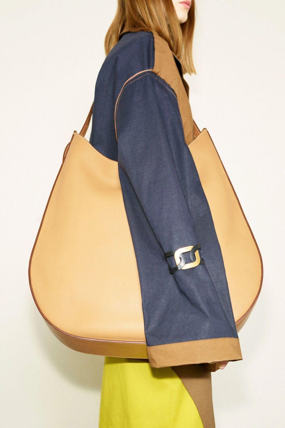 Ультраоб'ємні сумки будуть в моді.
