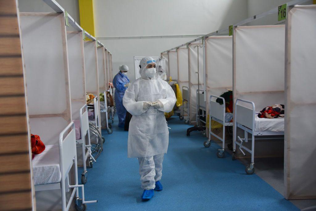 Вірус уражає всіх, не розслабляйтеся – лікарка