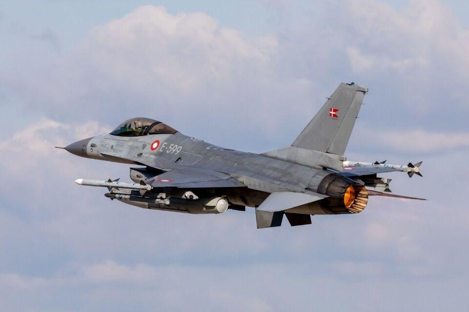 Національний центр повітряних операцій Королівських ВПС Данії розгорнув свої F-16 з авіабази Скрідструп