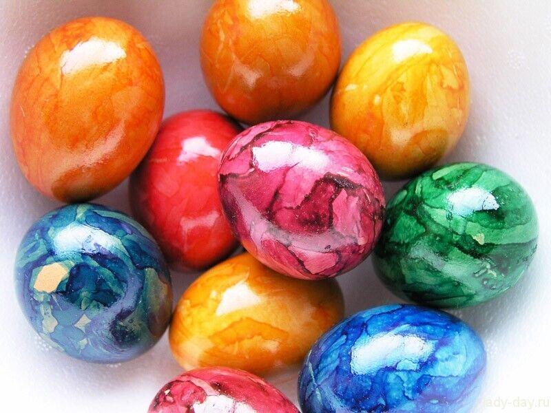 Швидкий спосіб пофарбувати яйця