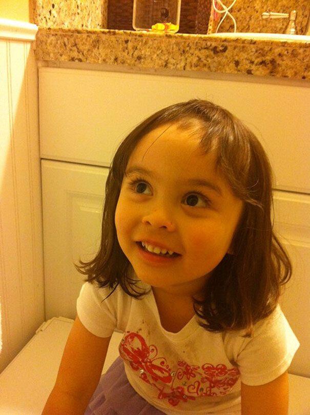 Сестре не слишком нравились длинные волосы.