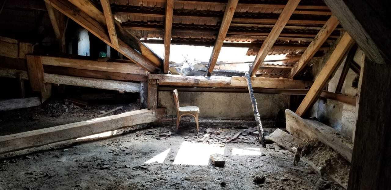 Частина даху вигоріла