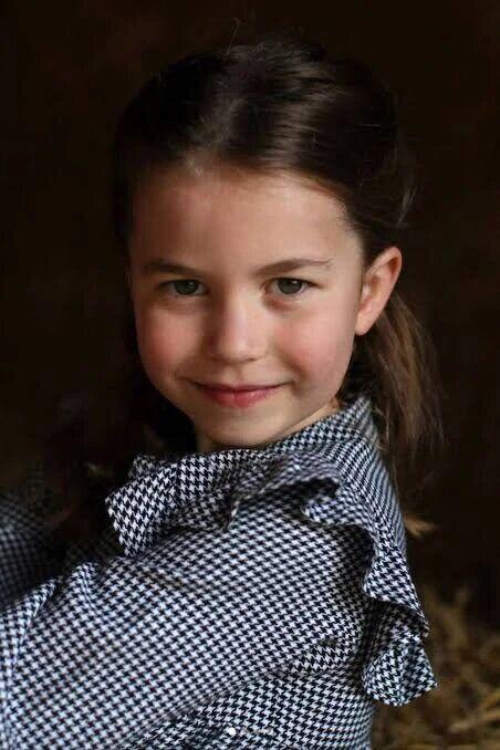 Батьки поділитися фотографіями принцеси Шарлотти в честь її 5 дня народження