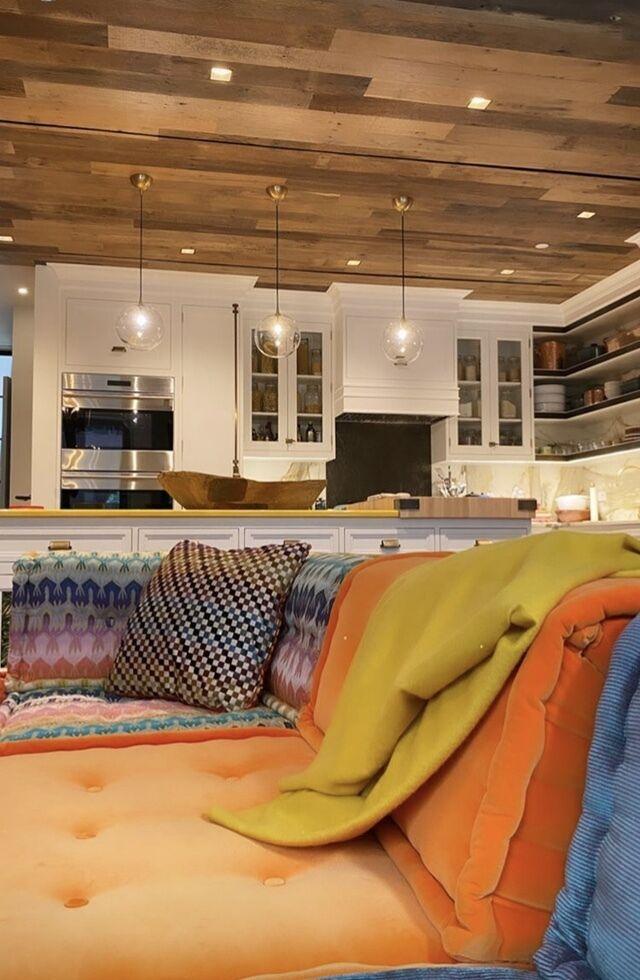 Интерьер гостиной Джиджи Хадид.