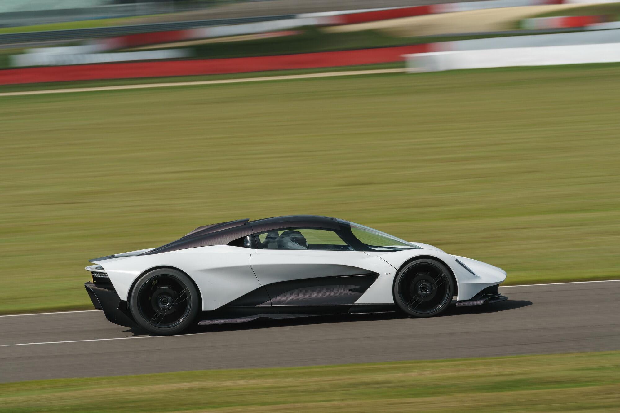 Aston Martin Valhalla получит гибридный силовой агрегат от Mercedes-AMG