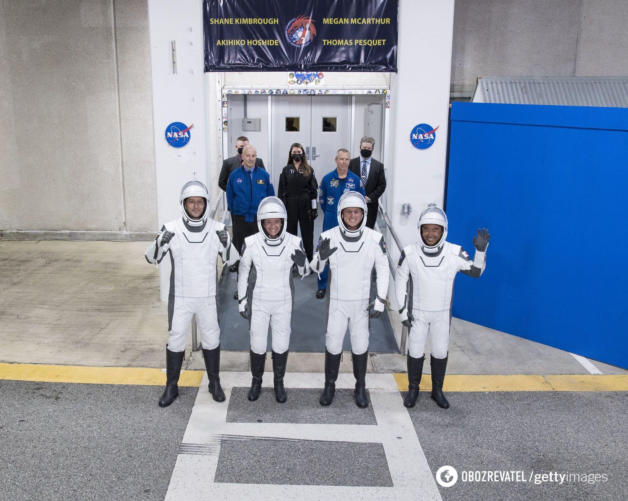 Екіпаж корабля Crew Dragon перед зльотом