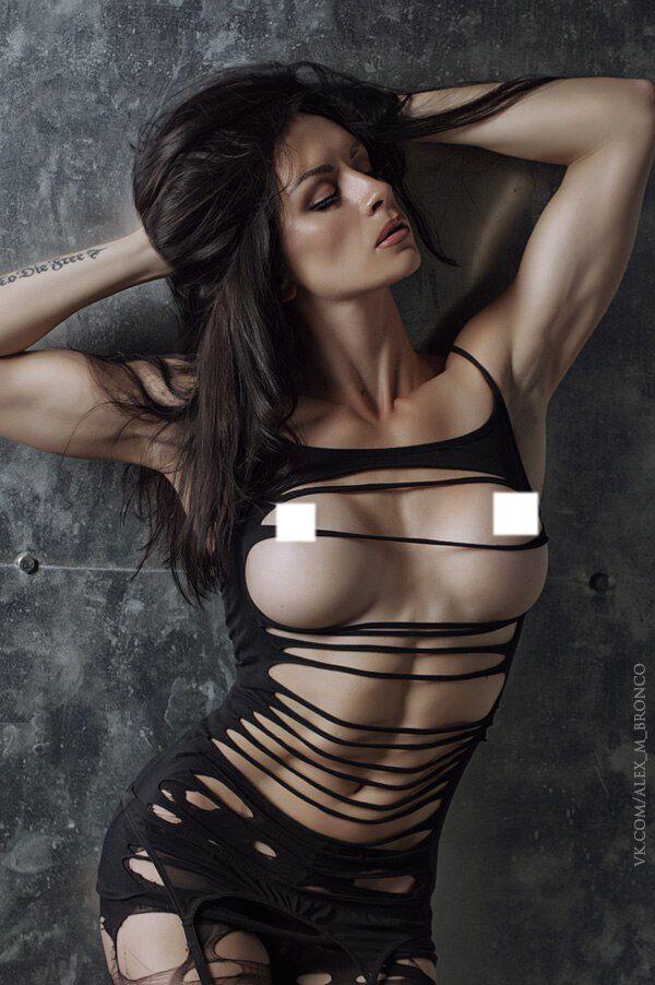 Наталья Князева ушла в ню-модели
