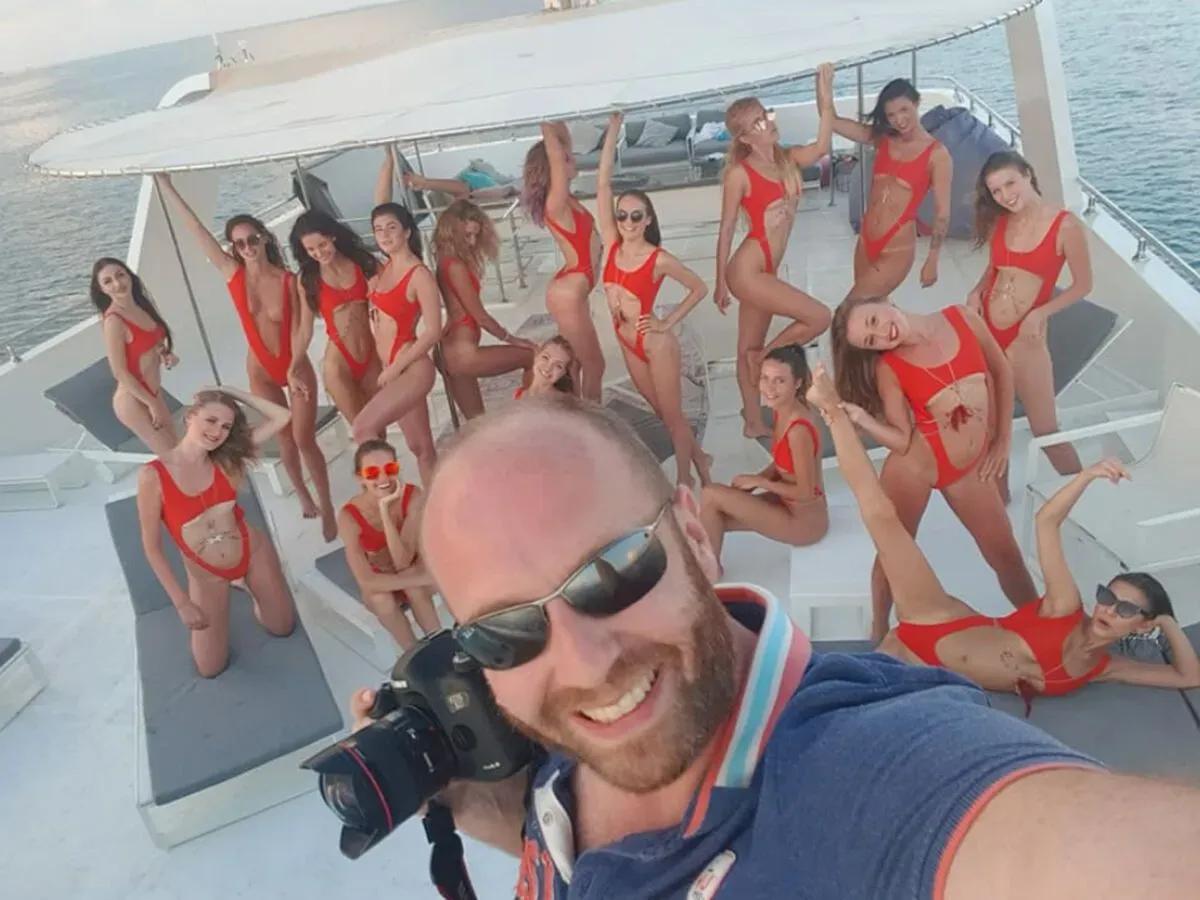 Поездку для моделей организовал украинец Виталий Гречин