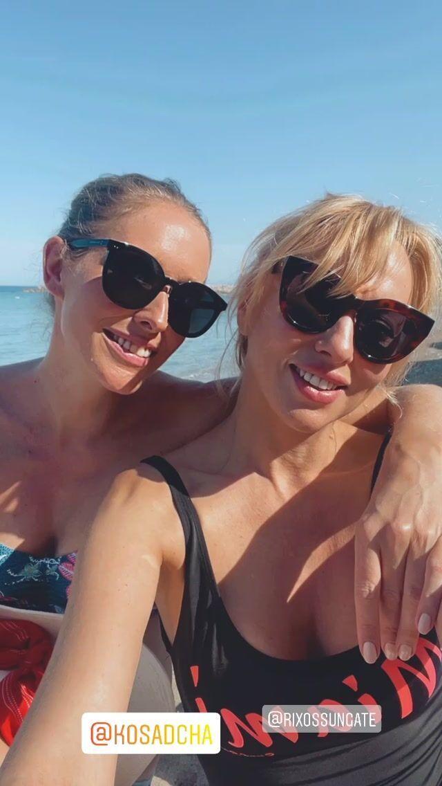 Катя Осадча з Олею Поляковою в Туреччині.