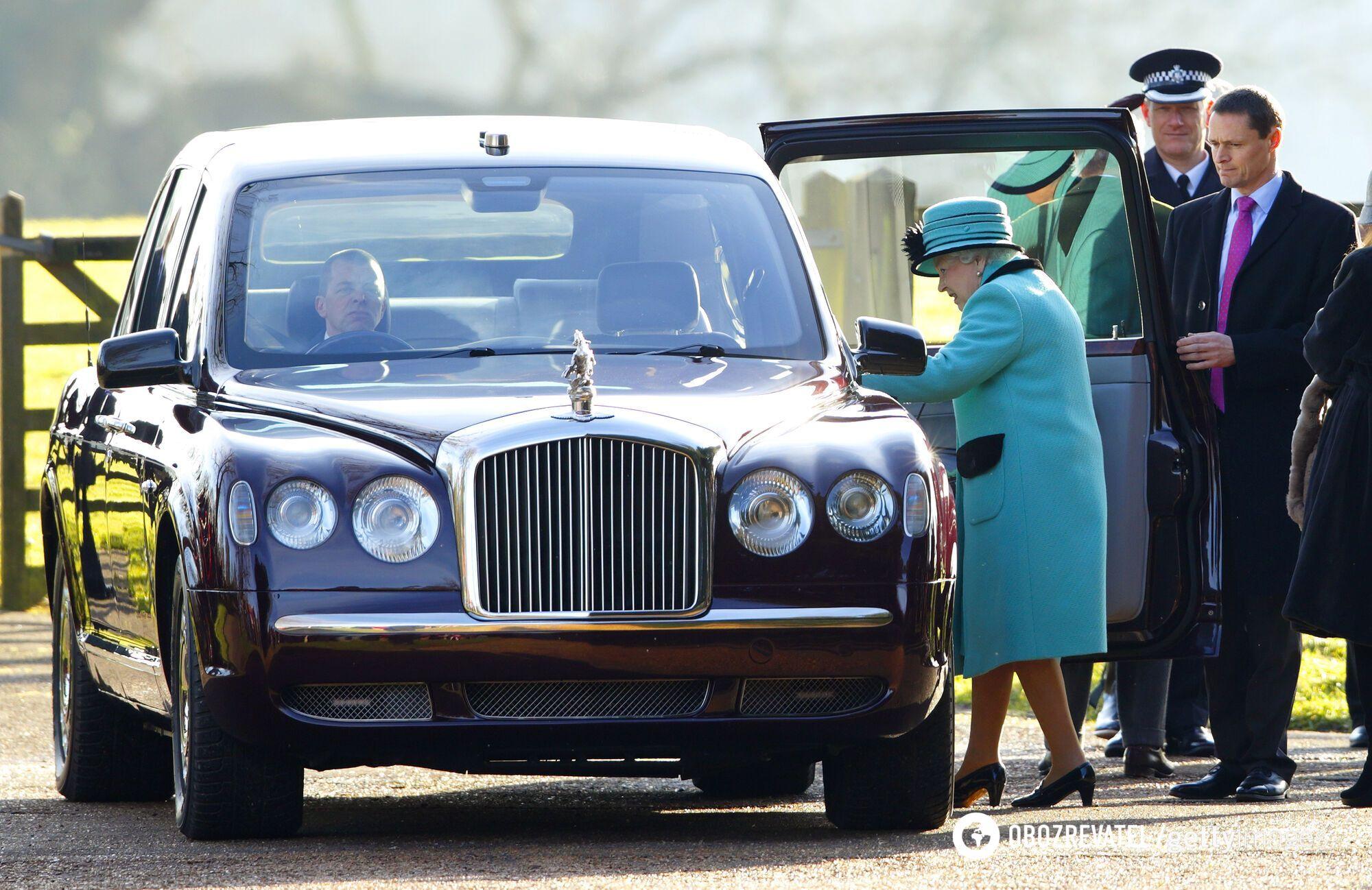 Автомобили Bentley известны своими дорогими и роскошными моделями.