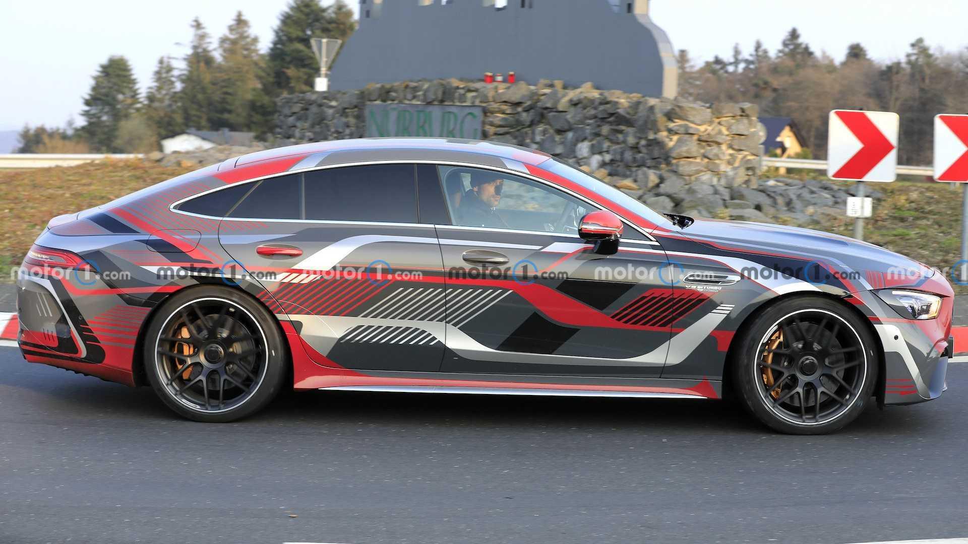 Mercedes-AMG GT73e на тестах