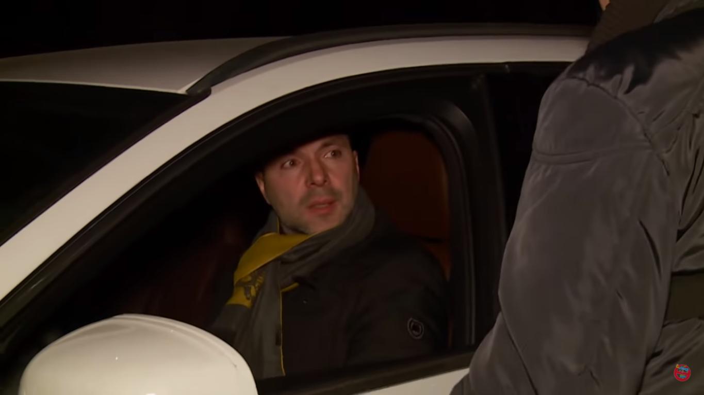 Арестович у своєму авто