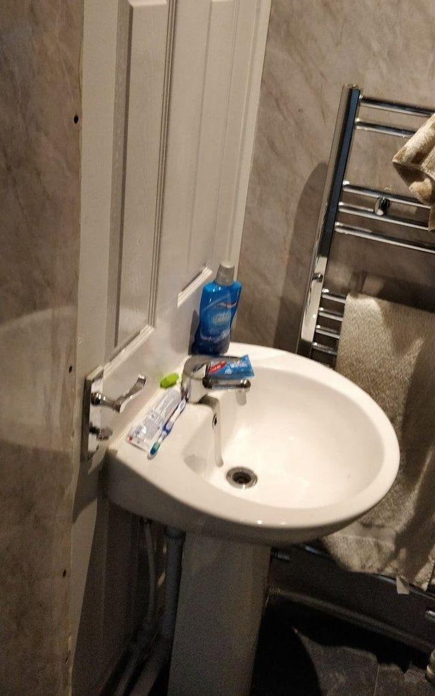 Вы никогда не забудете вымыть руки после туалета.