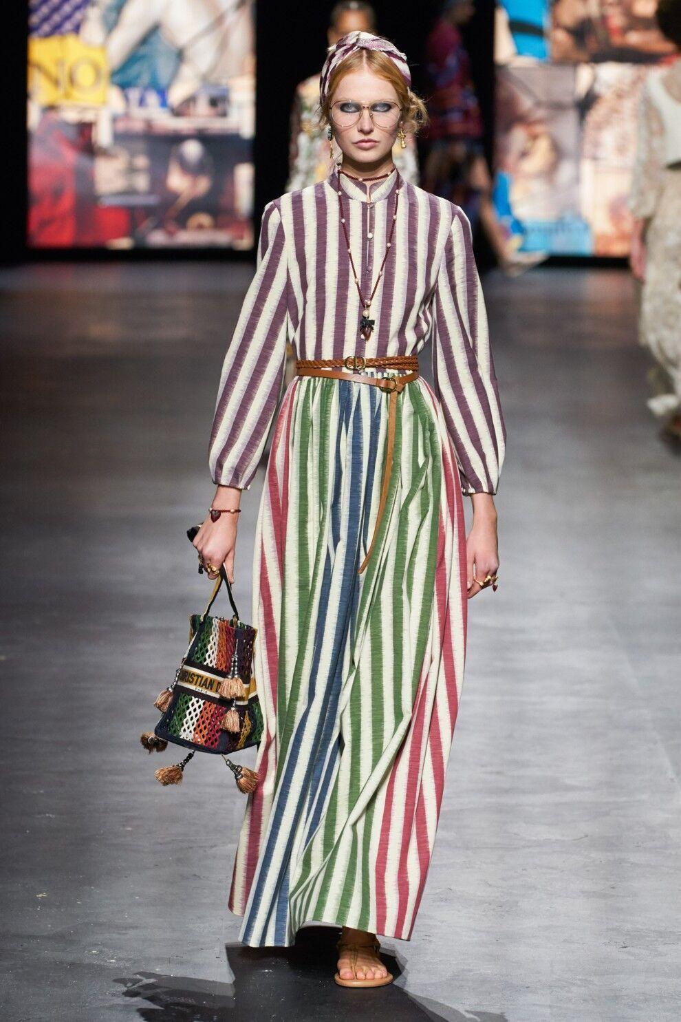 Модное платье в полоску от Christian Dior