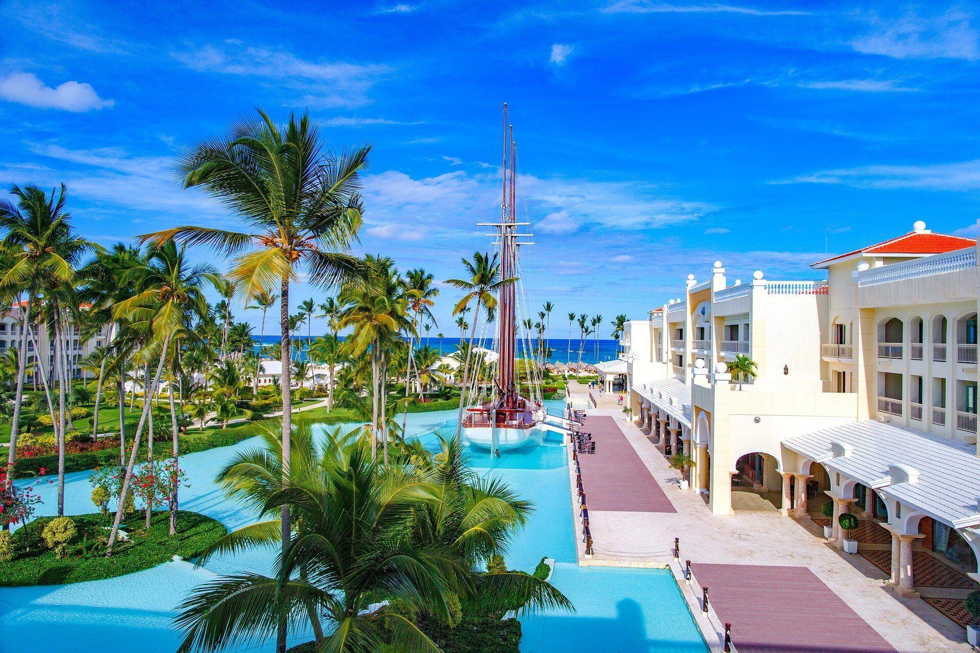 """Попри те, що туроператори пропонують знижки на """"гарячі"""" тури, відпочинок у Домінікані залишається досить дорогим"""