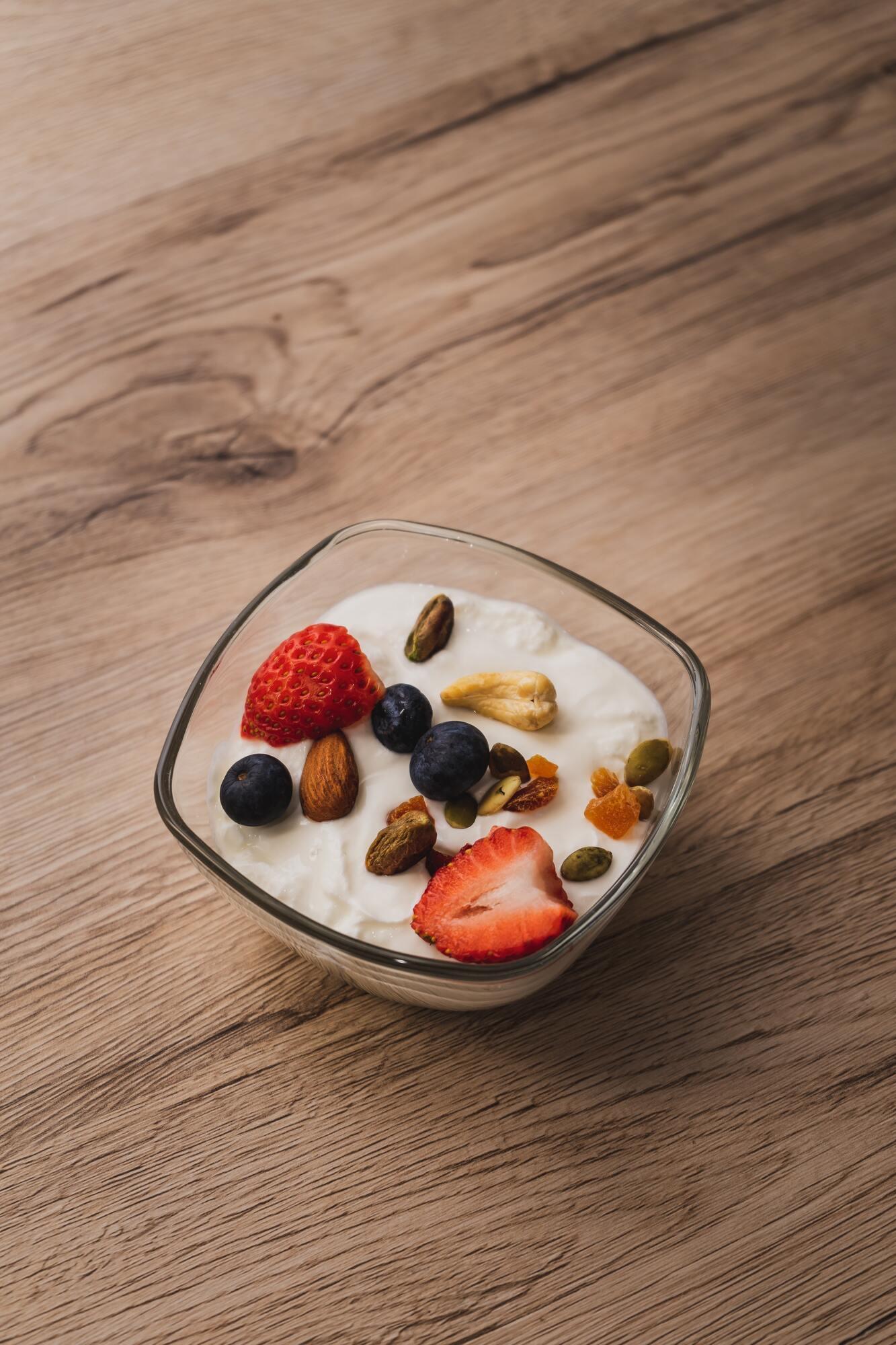 Полезными могут быть только натуральные йогурты
