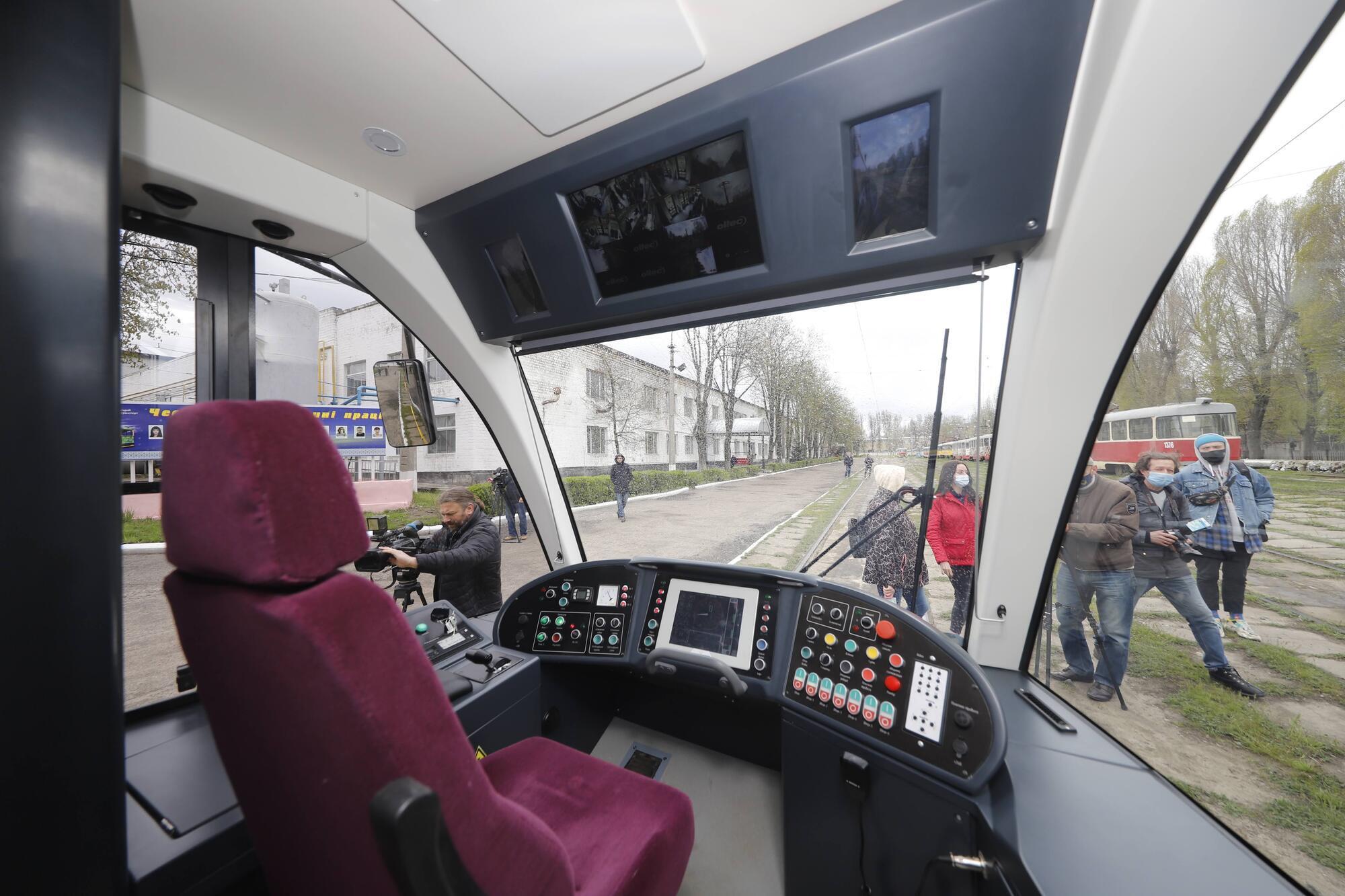 Подобные днепровские модели уже перевозят пассажиров в Александрии