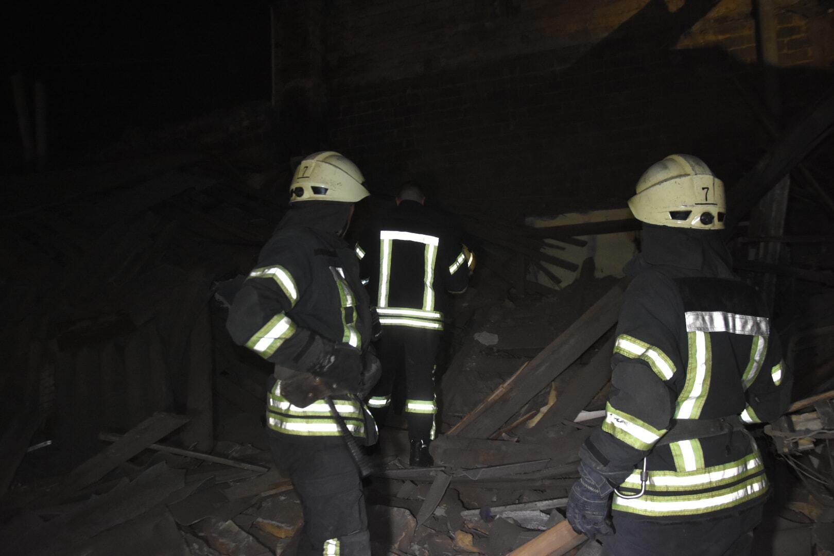 Место обрушения дома после взрыва.