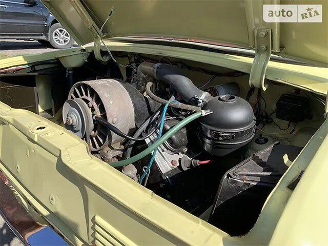 Новый аккумулятор автомобиля 1976