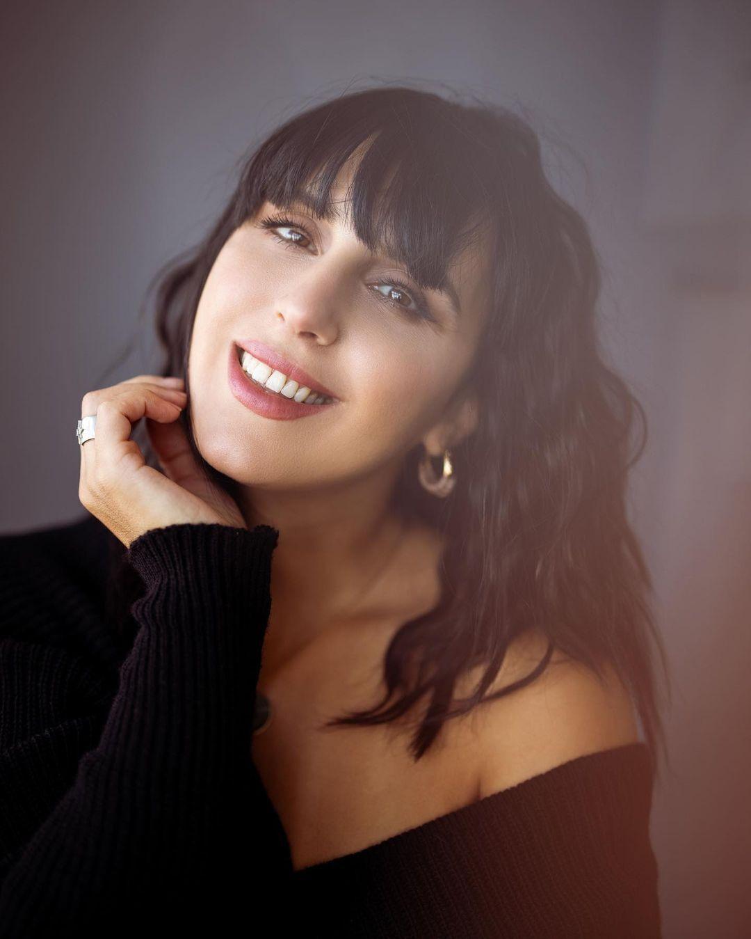 Справжнє ім'я співачки – Сусанна Джамаладінова