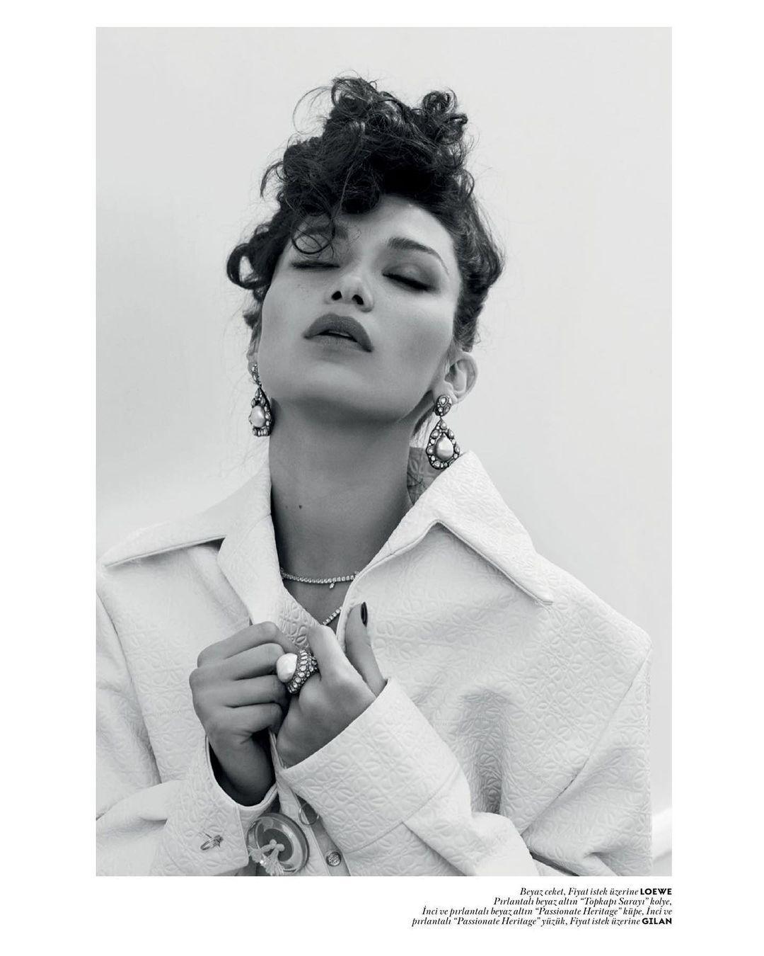 Хадид вспомнила фотосессию для журнала Vogue