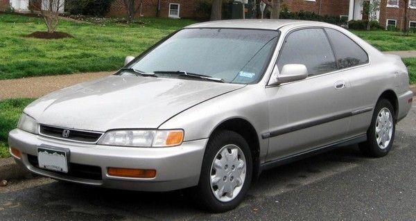 Найулюбленіша і одна з перших машин Джеффа Безоса – це Honda Accord 1996 року.