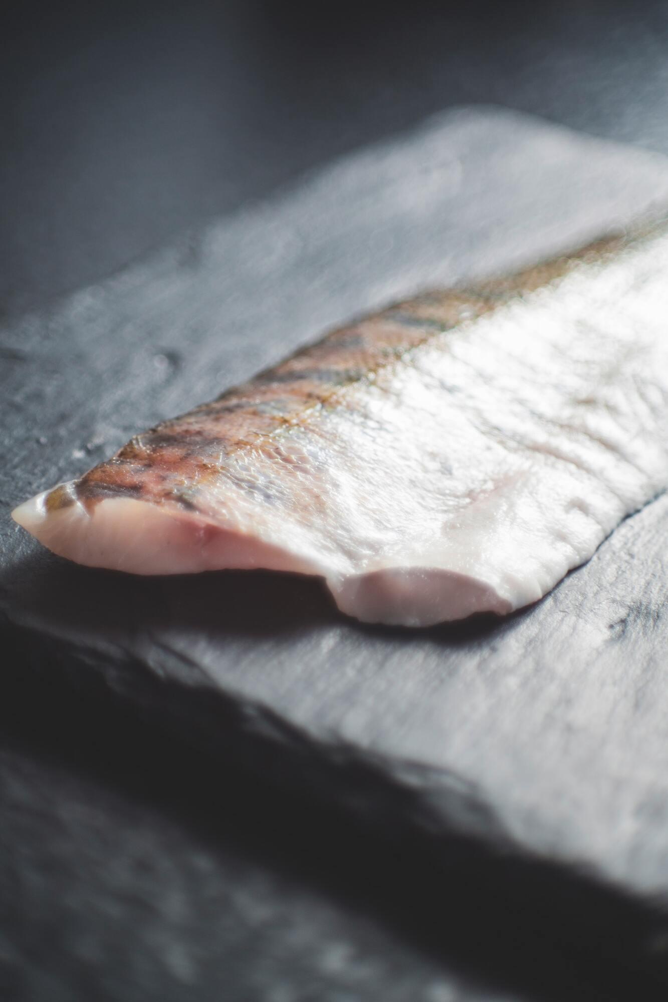 Рибу варто натерти спеціями