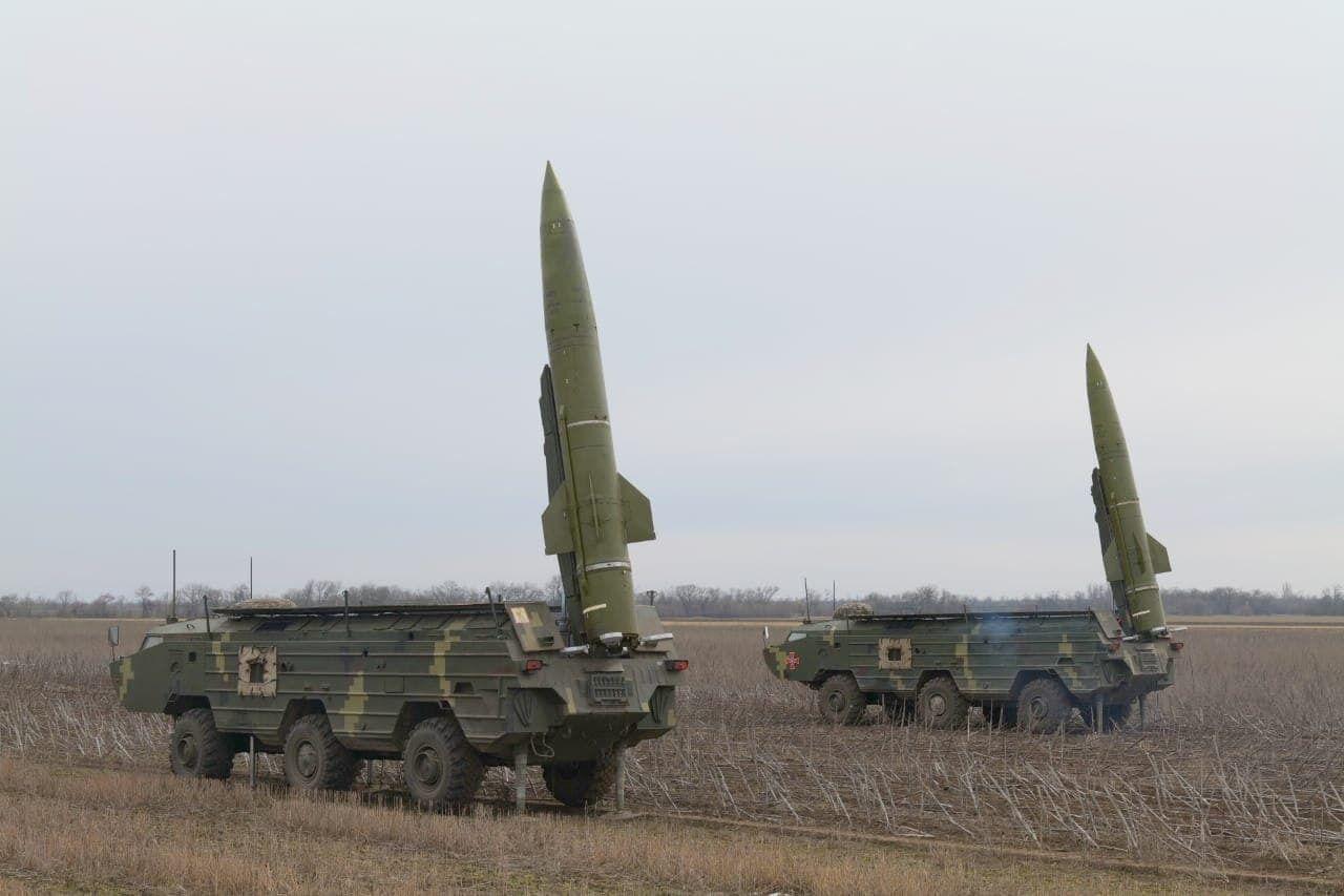 """Батареї """"Точок-У"""" здійснили марш на полігоні у Херсонській області"""