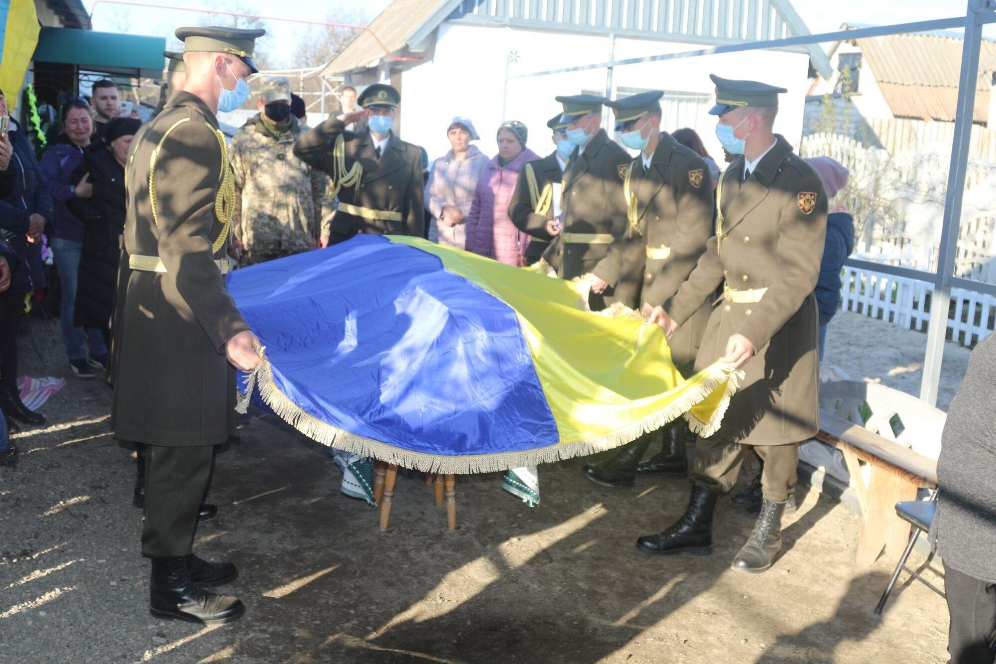 Военные на церемонии прощания