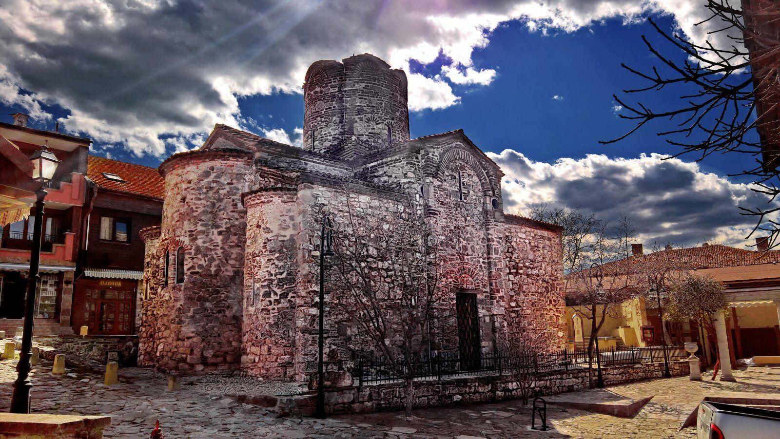 В Несебре сохранилось много руин, среди которых укрепления и бани византийской эпохи.