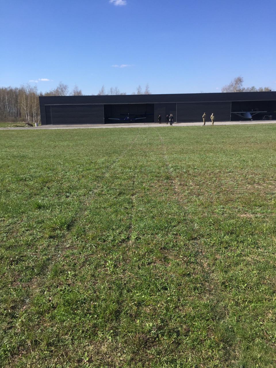 Пограничники обнаружили место предполагаемой посадки самолета на Житомирщине