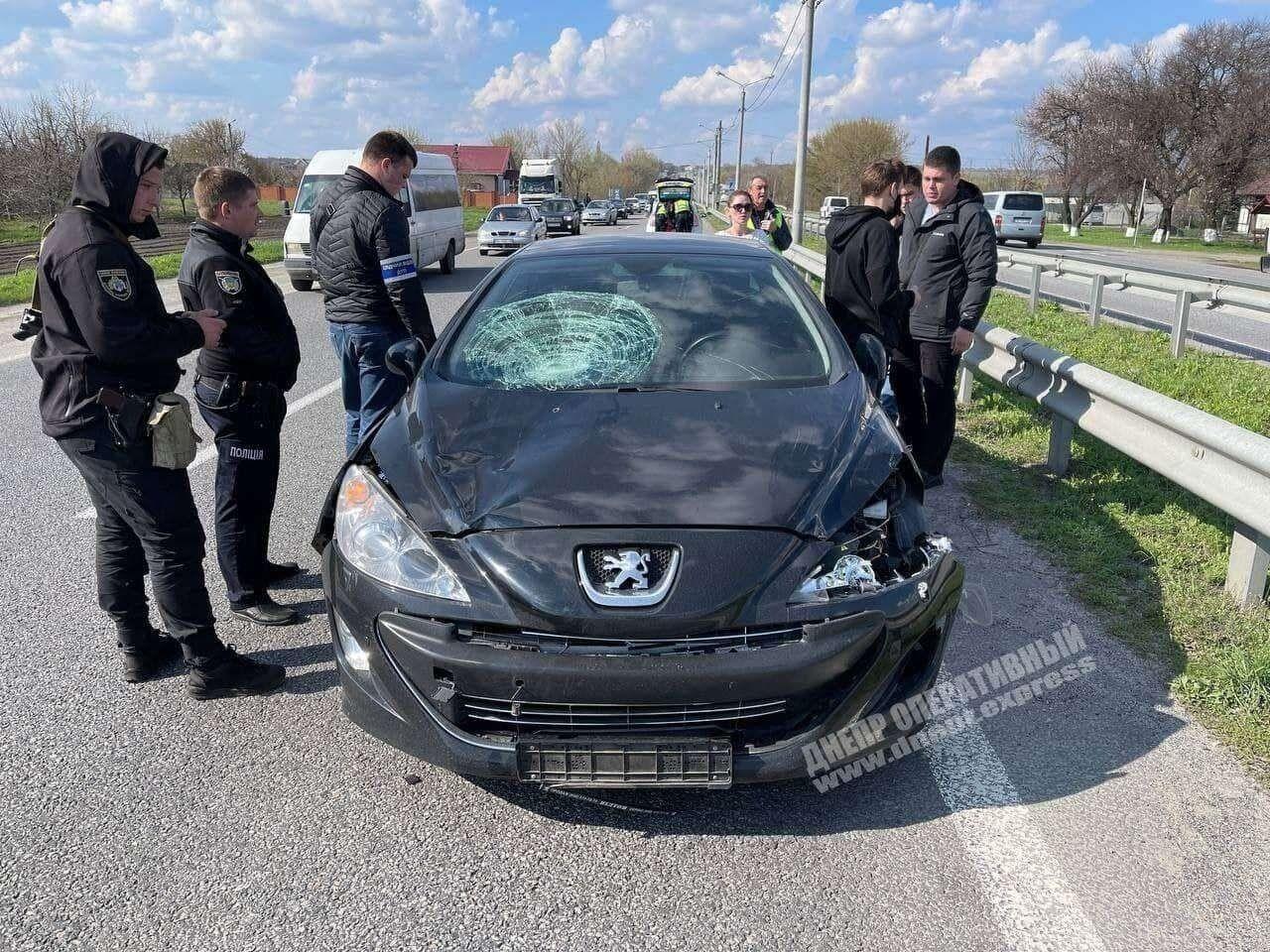Машина, которая влетела в школьников на Днепропетровщине