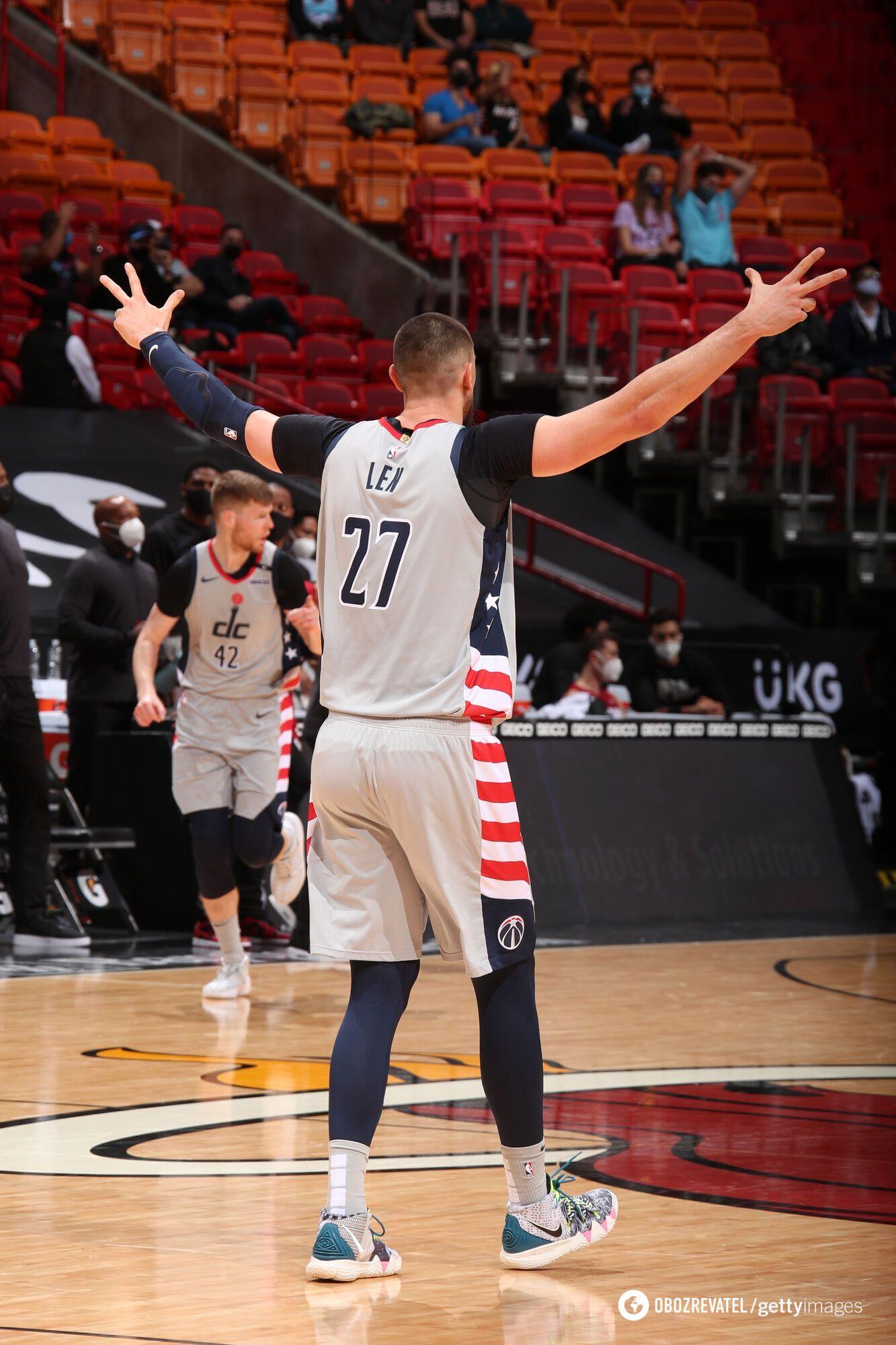 Олексій Лень в матчі НБА