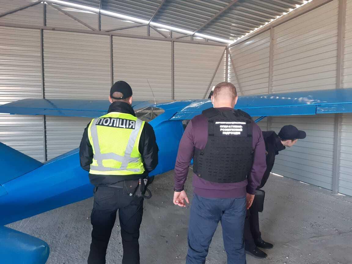 Самолет контрабандистов смог долететь до Житомирщины