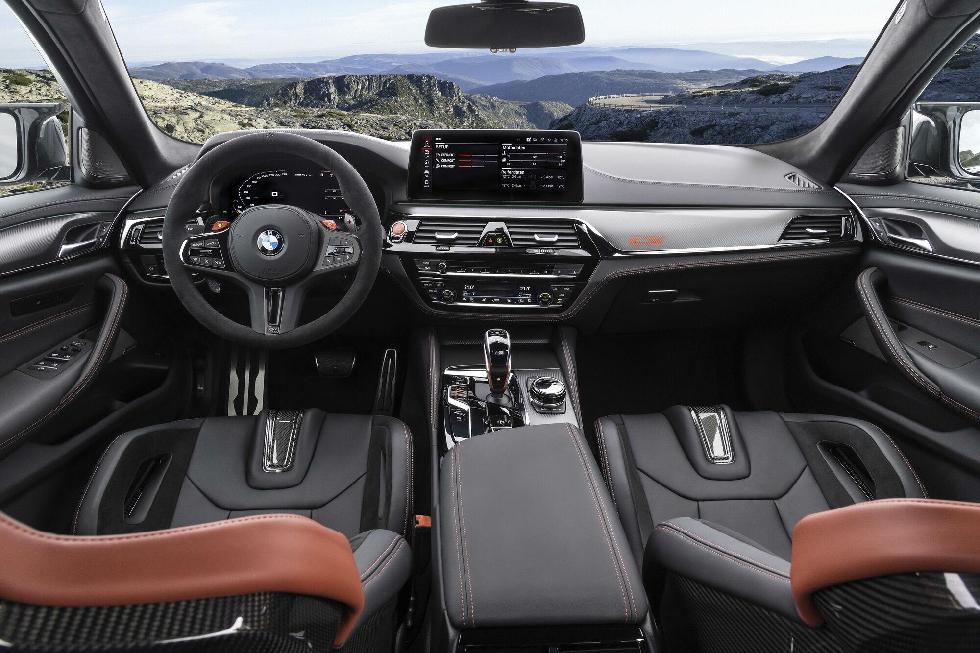 Салон BMW M5 CS