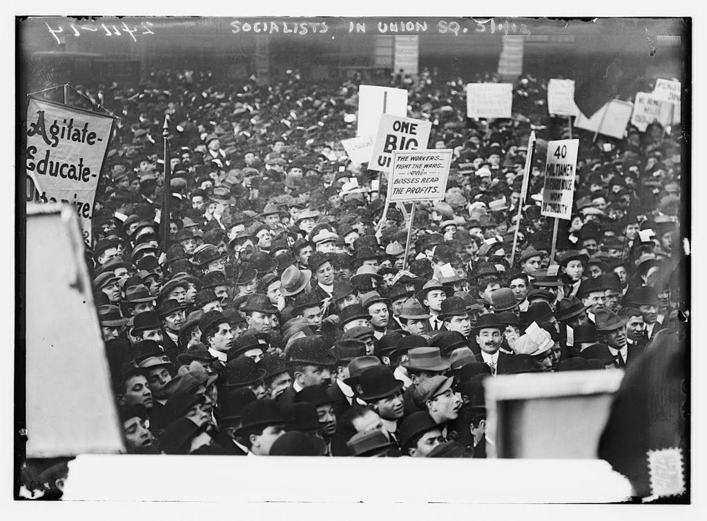Митинг социалистов на Юнион-сквер в Нью-Йорке 1 мая 1912 года