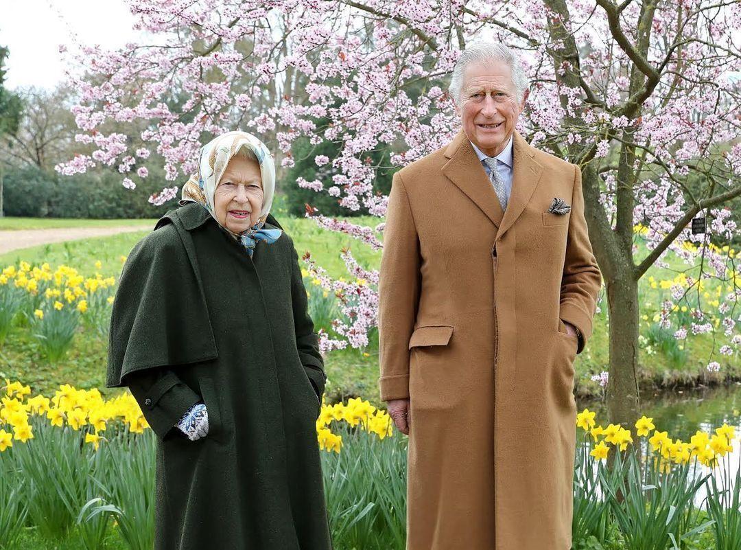 Єлизавета II і принц Чарльз взяли участь у фотозйомці.