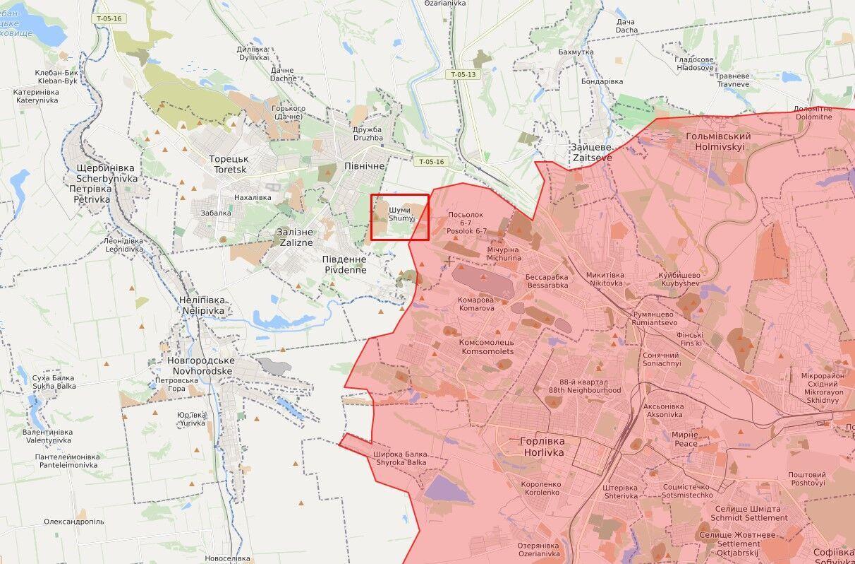 Военнослужащий подорвался в районе Шумов.