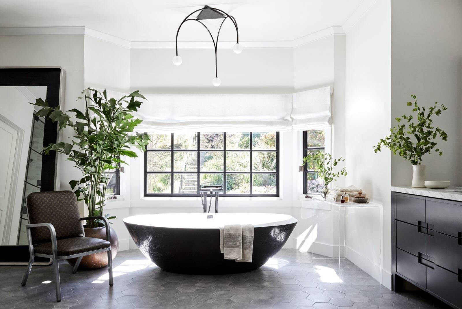 Ванная комната в доме Майли Сайрус