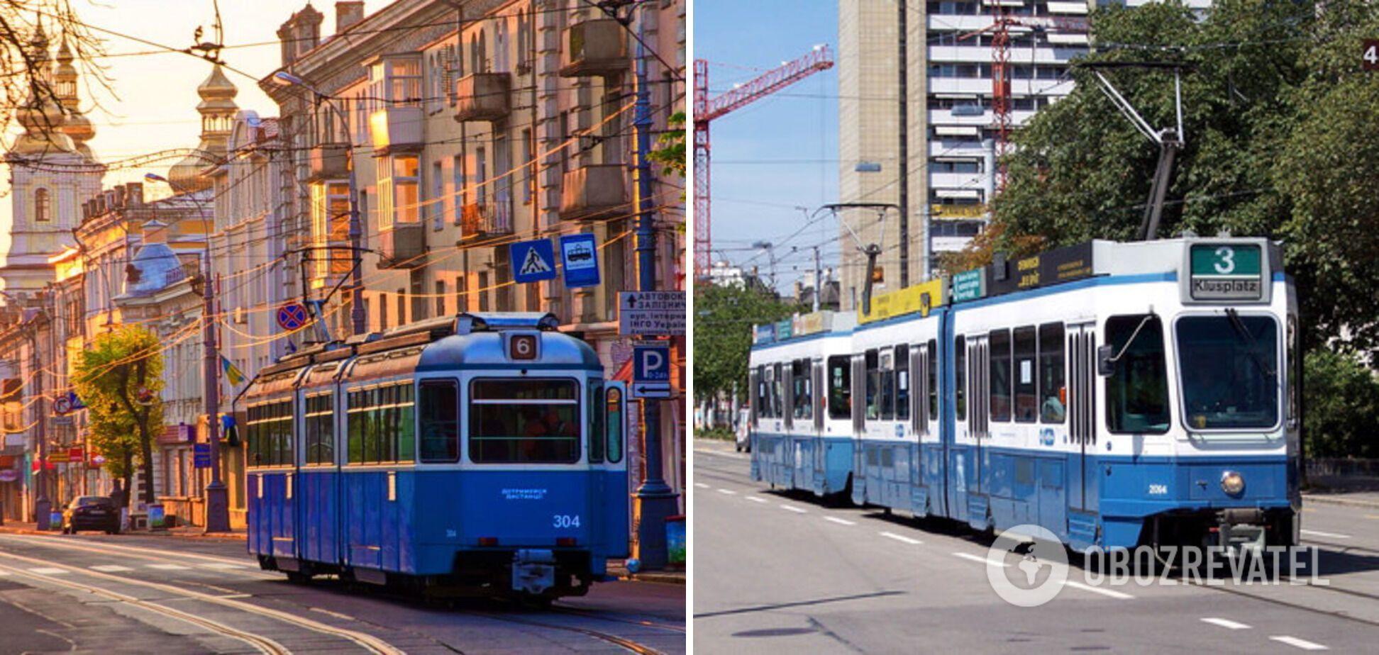 Туристы катаются на синих трамваях.