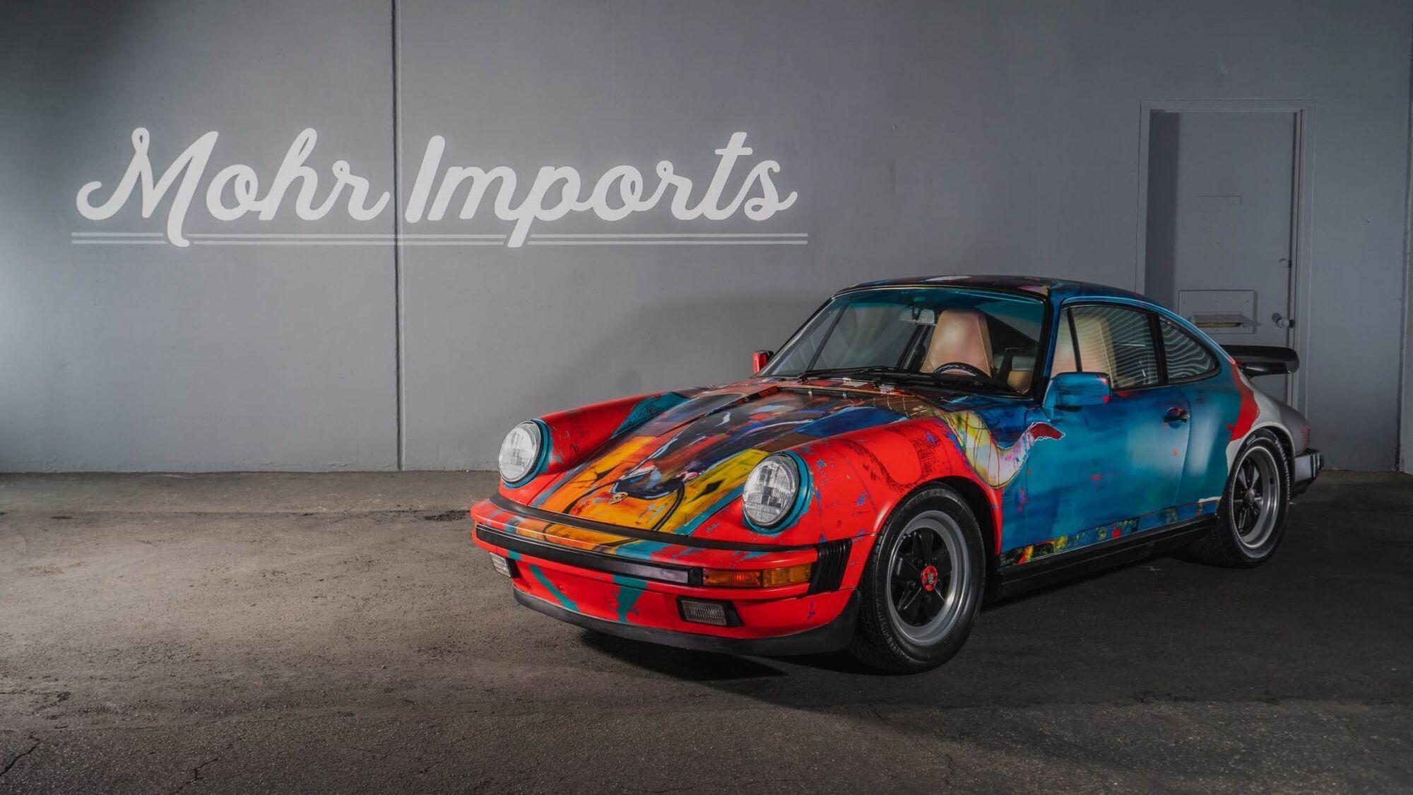 """Основой для """"полотна"""" послужил Porsche 911 Carrera 1989 года"""