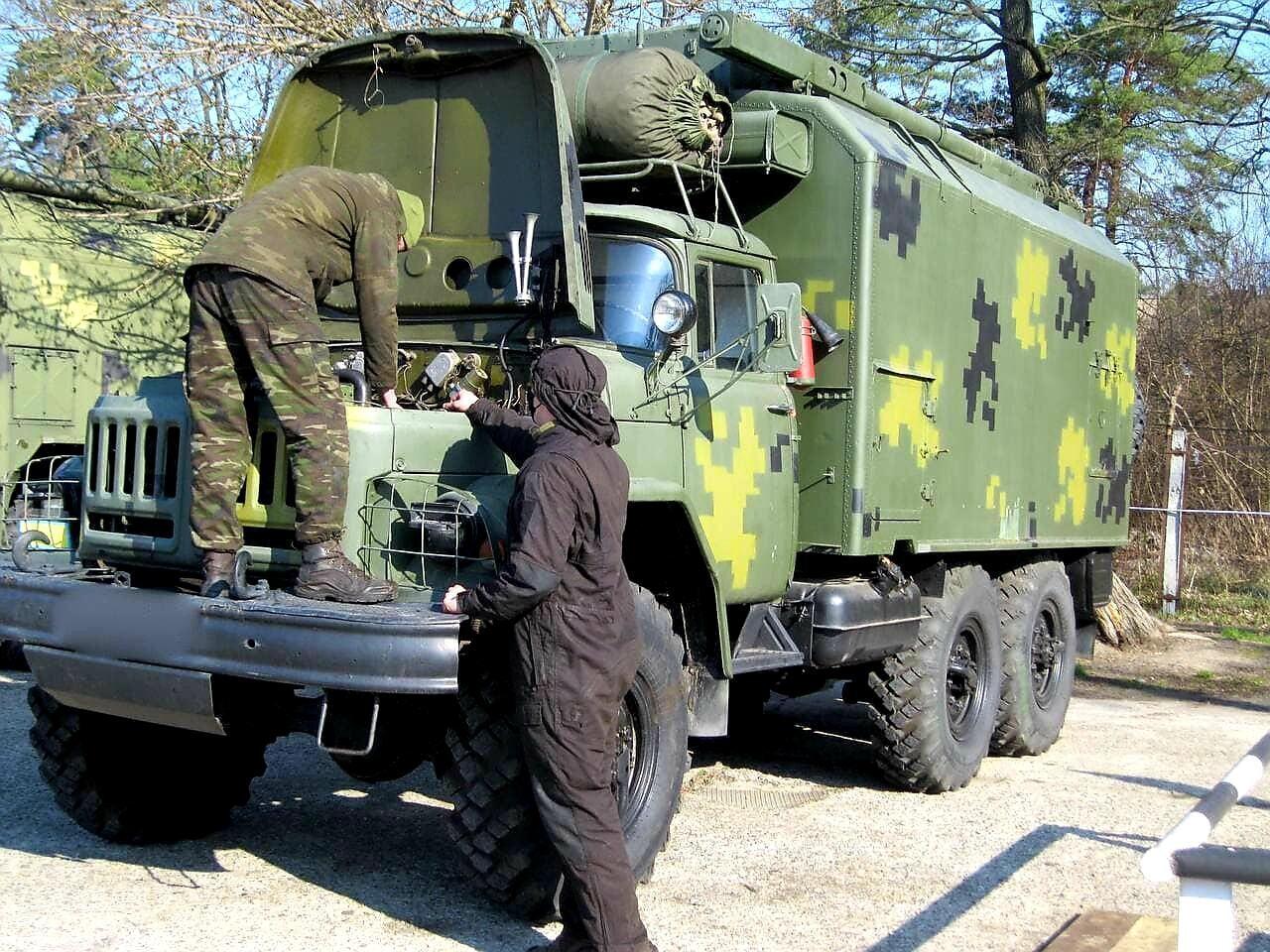ЗІЛ-131 на службі українських зв'язківців