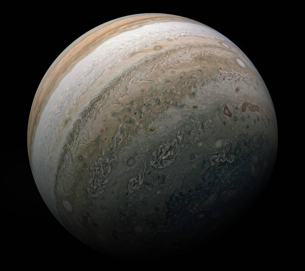 Juno зробив неймовірні фотографії супербур на Юпітері