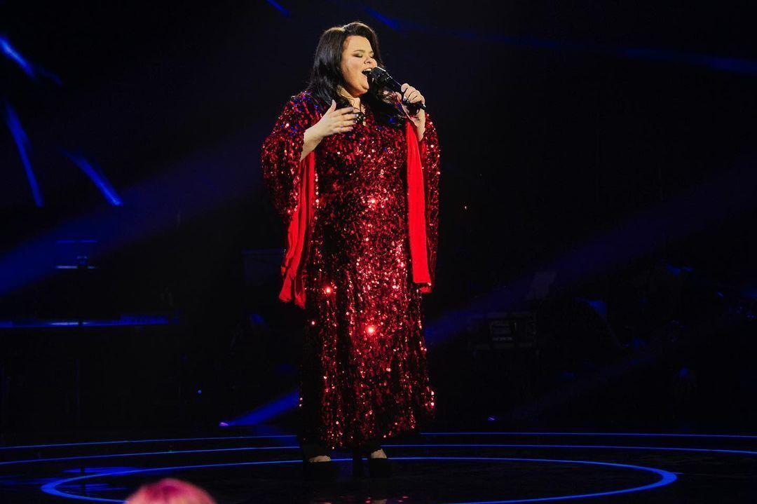 Последняя участница 11 выпуска Юлия Тымочко исполнила песню Set fire to the rain