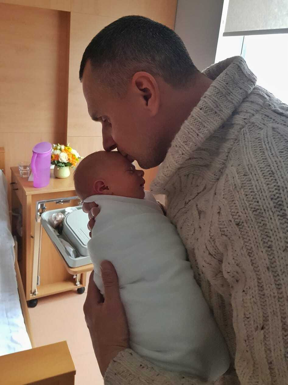 Олег Сенцов з дочкою Еммою