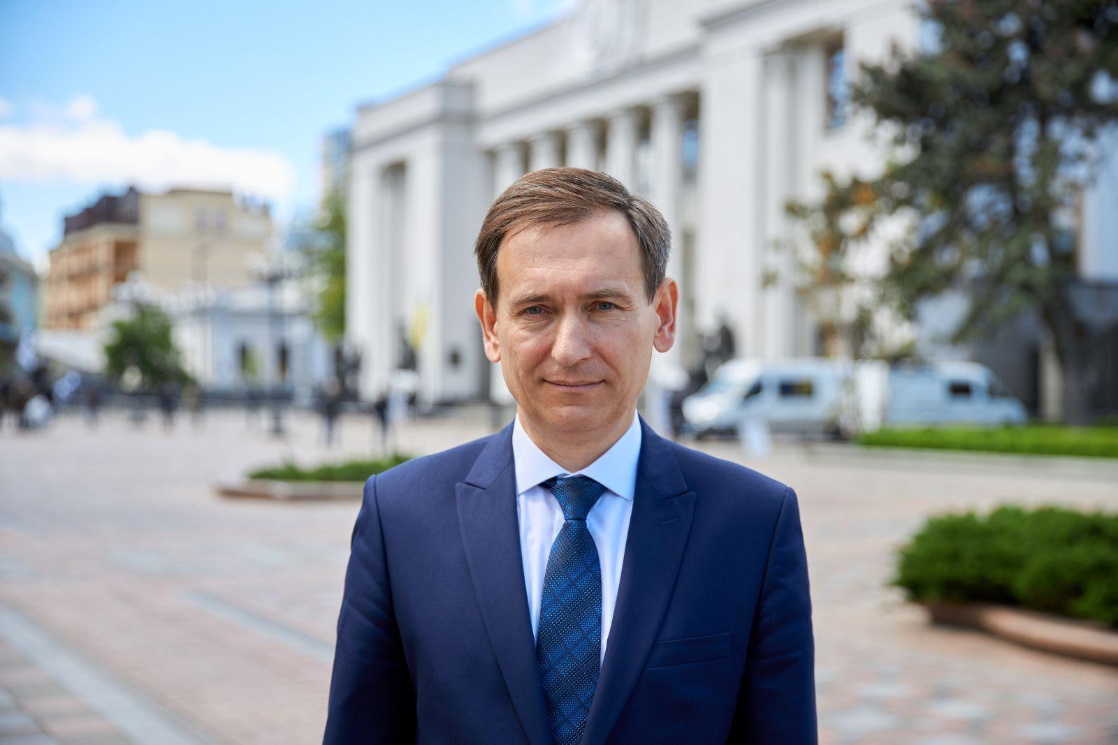 Веніславський розробляє нову редакцію закону про держтаємницю.