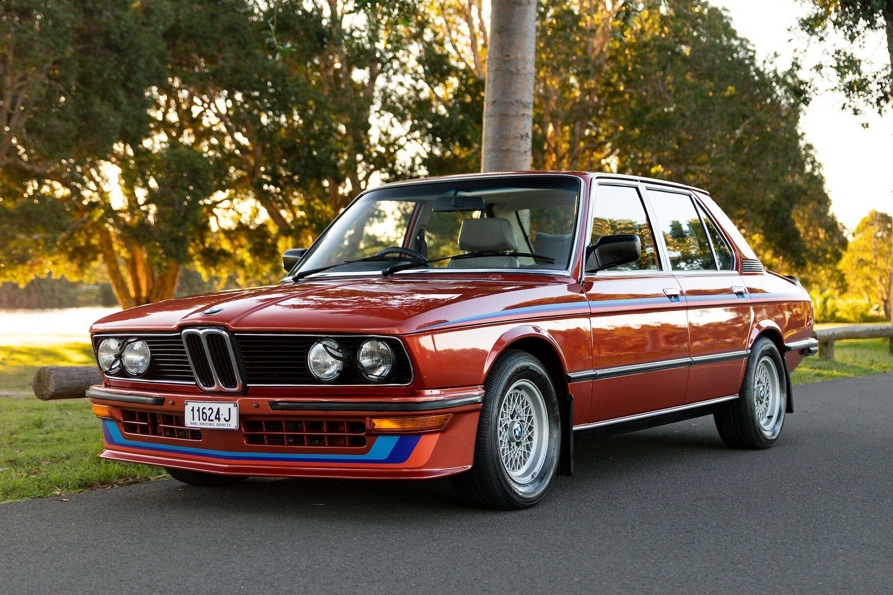 Цей екземпляр седана був виготовлений 1981 року для британського ринку