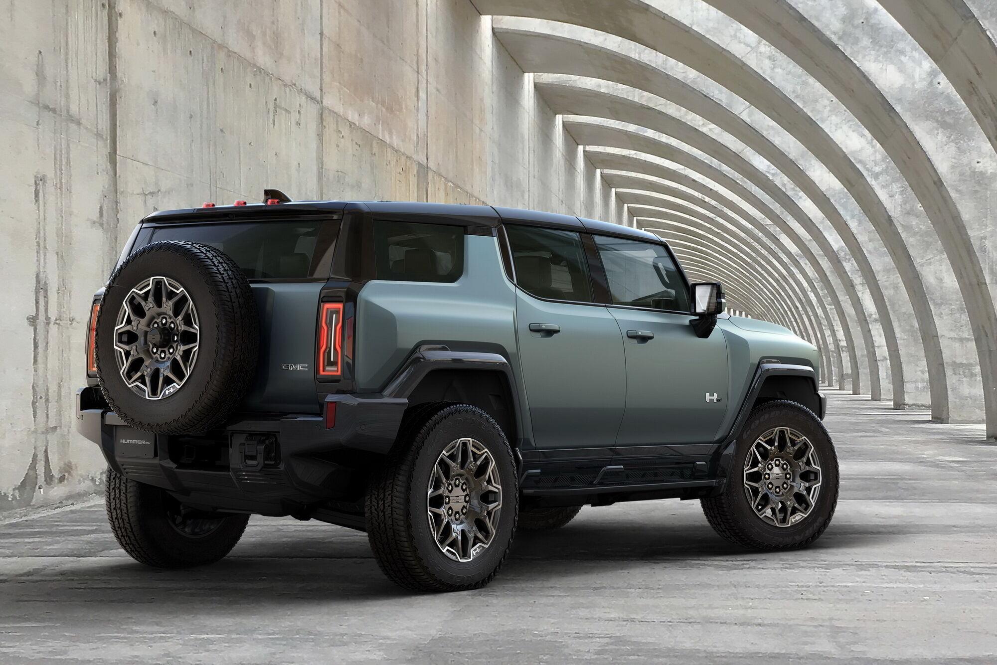 Стоимость SUV в зависимости от модификации – от $79995 до $110595