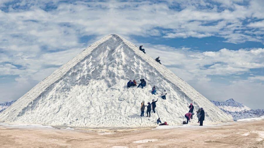 """В Египте обнаружили """"снежные"""" горы."""